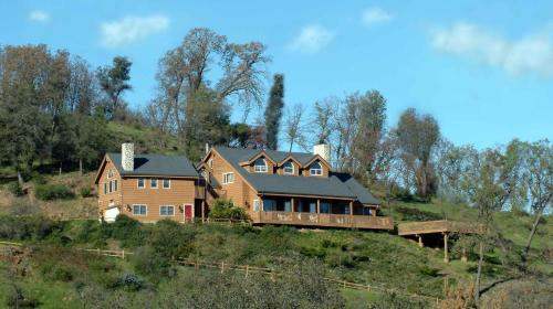 Photo of Tucker Peak Lodge