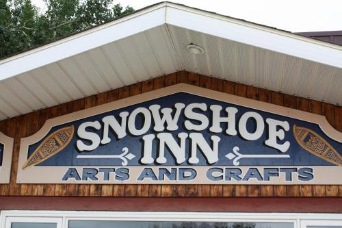 Snowshoe Inn