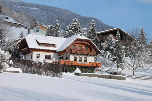 Haralds Ferienwohnungen - Apartment mit 1 Schlafzimmer und Balkon