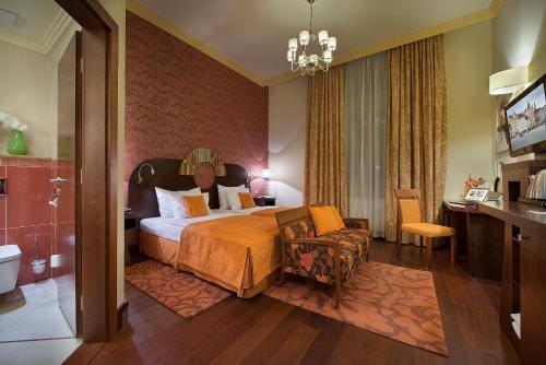 Отель Zvon Design Suites