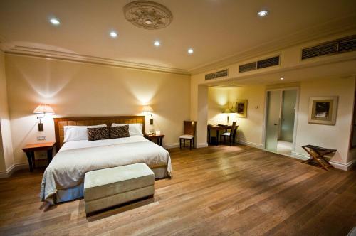 Habitación Doble Superior con terraza y vistas a la ciudad Gran Hotel La Florida 4