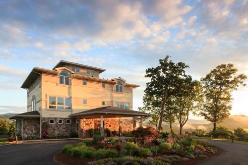 Lucille's Mountain Top Inn & Spa