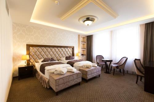 Отель Hotel Dvorana 4 звезды Чешская Республика