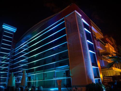 Address Residence Luxury Hip Hotel