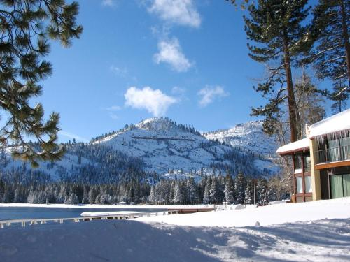 Donner Lake Village Resort - 4.0 star rating for travel with kids