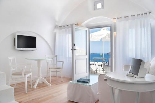 Villa Suite with Open Air Jetted Tub