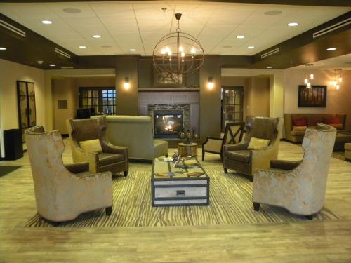 Teddy's Lounge