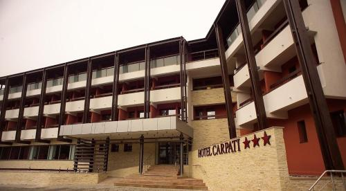 Hotel Carpați front view