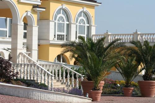 Отель Lighthouse Owners Apartments&Villas 2 звезды Болгария