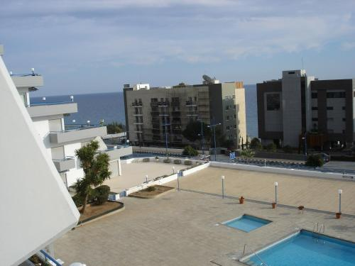 Amathus Seaview Apartment