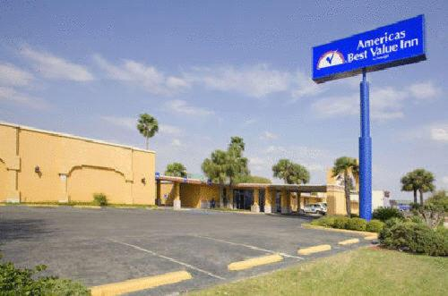 Photo of Americas Best Value Inn Laredo Hotel Bed and Breakfast Accommodation in Laredo Texas