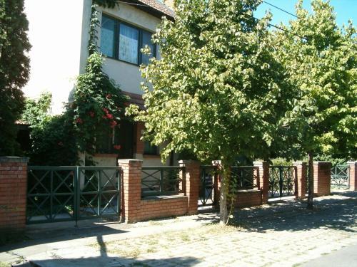 Отель Platán Vendégház 2 звезды Венгрия