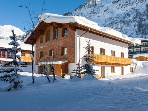 Haus Ricarda - Apartment mit 2 Schlafzimmern und Terrasse