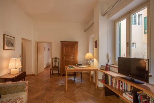 Two-Bedroom Apartment - Piazza Mentana 6