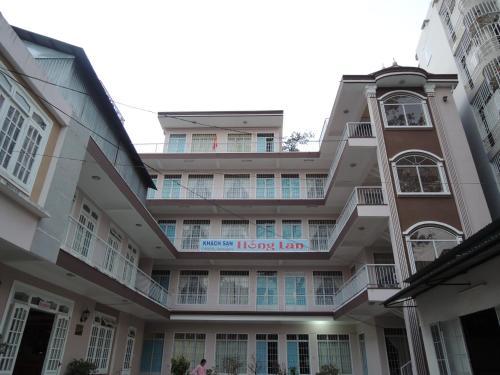 Hong Lan Hotel front view