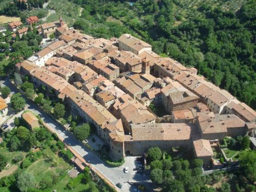 Property Panicale Russians