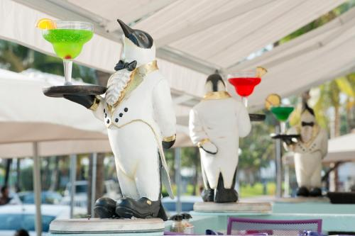 Penguin Hotel Miami Beach