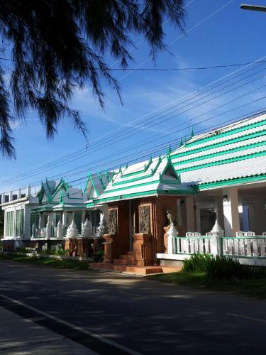 Samroiyod Beach Resort