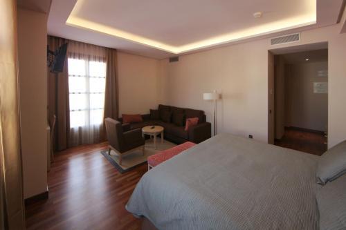 Habitación Deluxe con cama extragrande Casa Consistorial 5