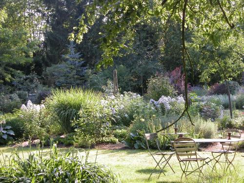 Chambres d 39 h tes du jardin francais ermenonville picardy for Jardin francais