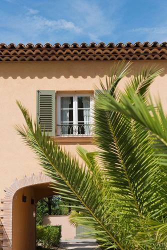 les maisons du sud saint tropez cote d 39 azur french riviera provence. Black Bedroom Furniture Sets. Home Design Ideas