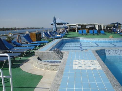 Swimming pool Radamis II Nile Cruise - Luxor/Aswan - 04 nights each Monday & 3 nights each Friday