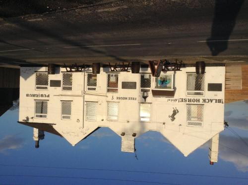 The Black Horse Hotel (B&B)