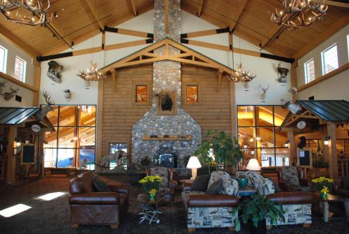 Tundra Lodge Resort Waterpark & Conference Center