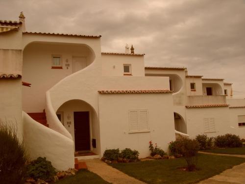 Vila Senhora da Rocha hotel e appartamenti