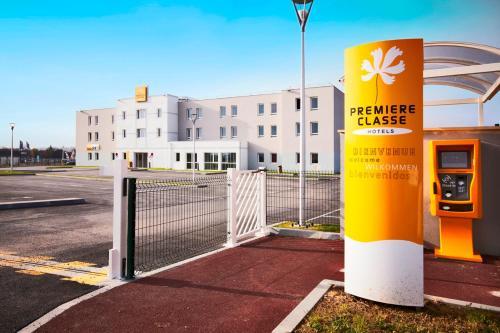 R server un hotel pas cher caen 14000 for Hotel f1 salon de provence