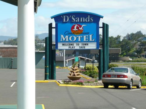 D Sands Condominium Motel front view