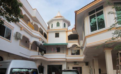 Отель Phonesavanh Guesthouse 2 звезды Лаос