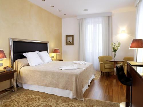 Habitación Doble Superior - 1 o 2 camas Hotel Mirador de Dalt Vila 1