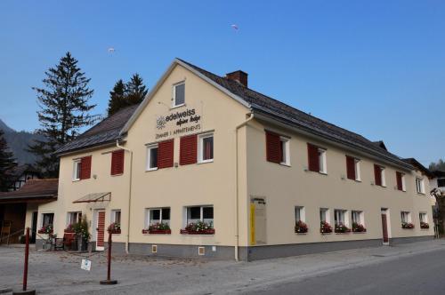 Edelweiss Alpine Lodge - Apartment mit 2 Schlafzimmern mit Balkon