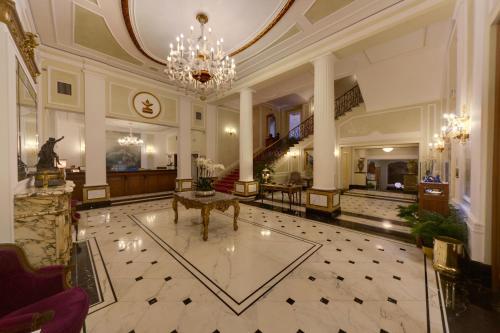 5 starts hotel in Bologna