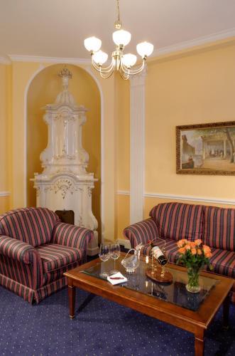 Hotel Embassy