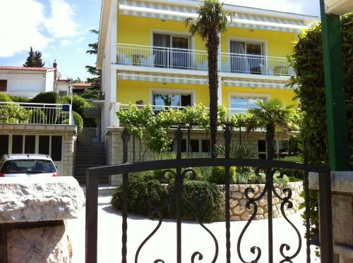 Apartments Marina