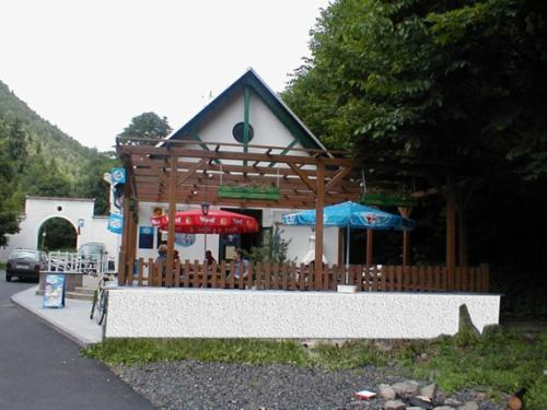 Restaurace a pension Prvn� Ml�n Chomutov