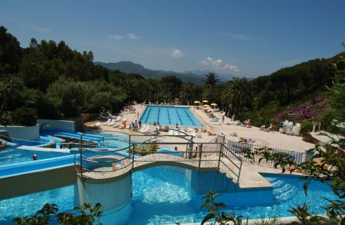 Camping Village Rosselba Le Palme front view