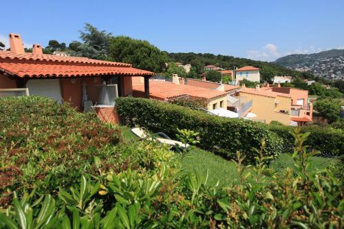 Les villas du cap location g te 99 101 avenue des for Jardin wilson nice
