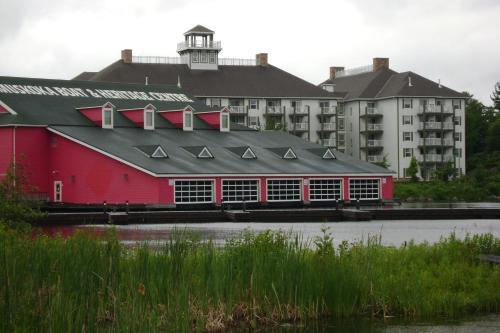 Muskoka Wharf Suites By Aaa Properties