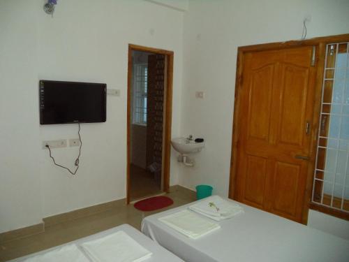 Picture of Samrat Guest House KK Nagar
