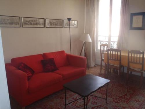 Apartment Living in Paris - Tourville