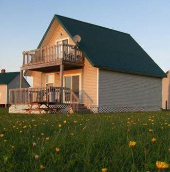 Adams Beach Cottages