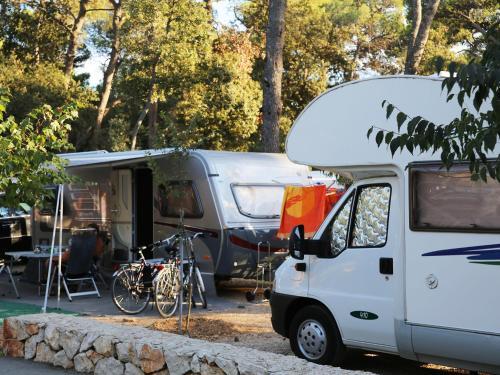 camping park soline biograd na moru croatia overview. Black Bedroom Furniture Sets. Home Design Ideas
