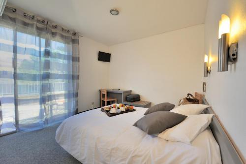 Comfort Double Room with Balcony and Air Conditioning