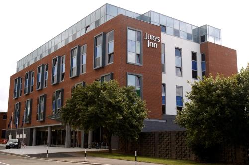 Stay at Jurys Inn Exeter