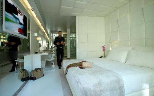 Deluxe Double Room The Mirror Barcelona 1