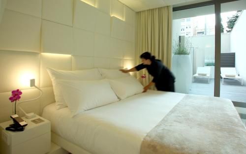 Superior Double Room with Terrace The Mirror Barcelona 2