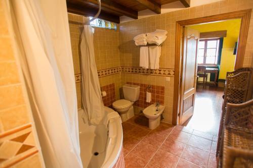 Quadruple Room Casa do Merlo 8